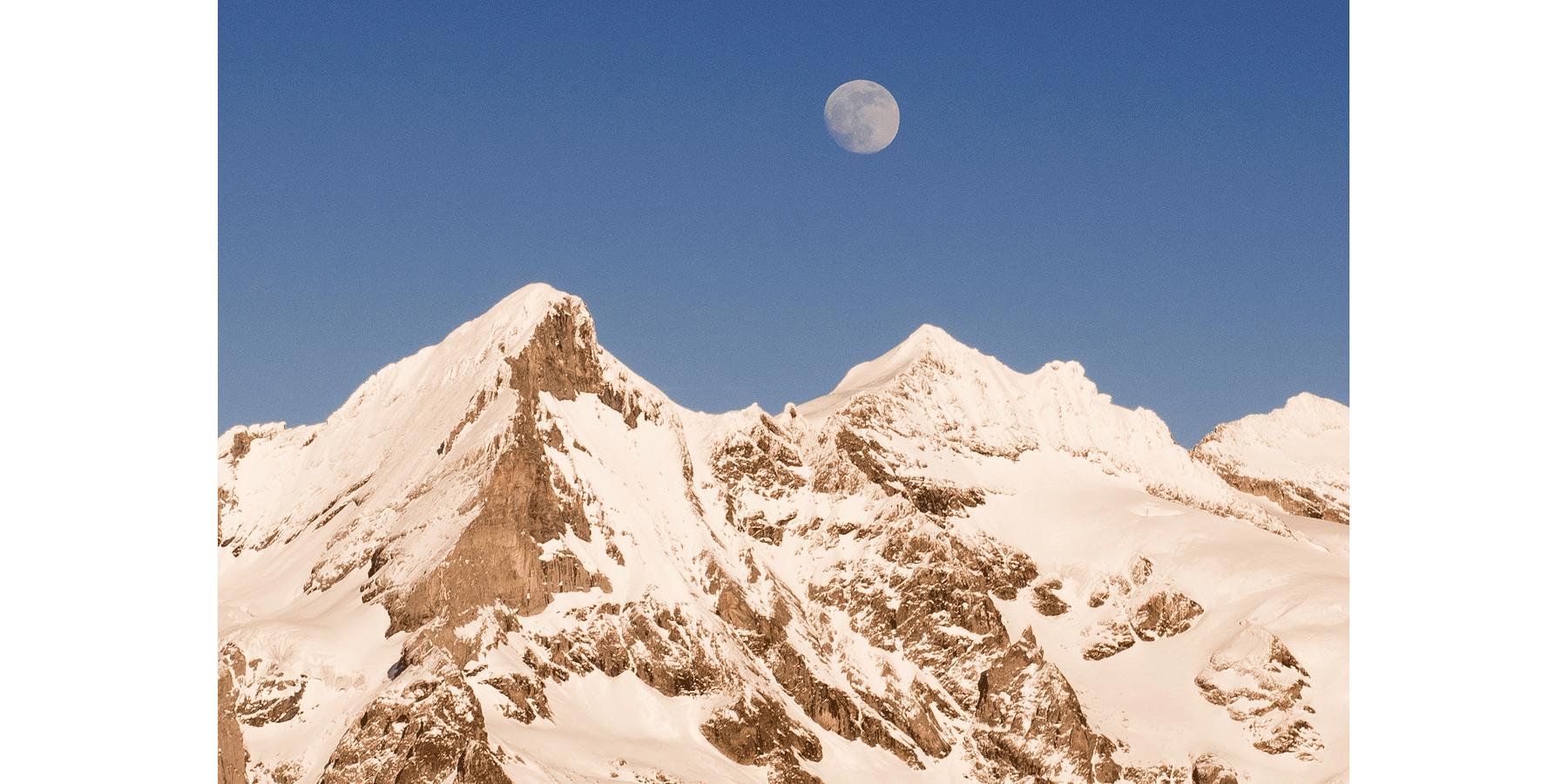 moon-wetterhorn-grindelwald