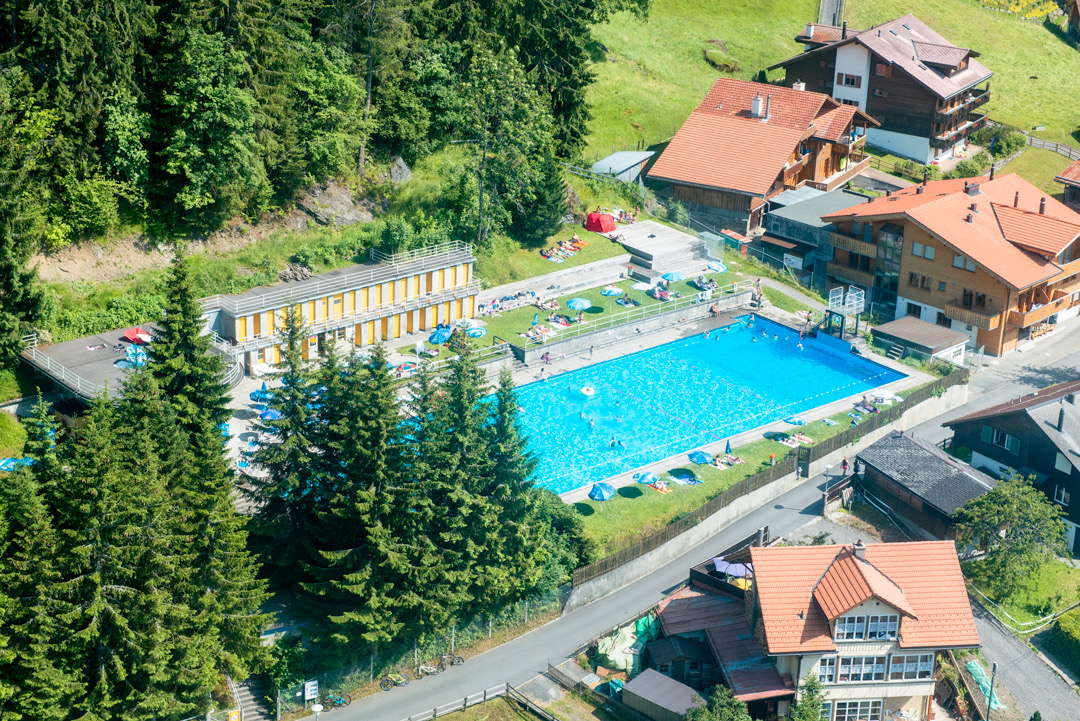 Swimming-Pool-Wengen