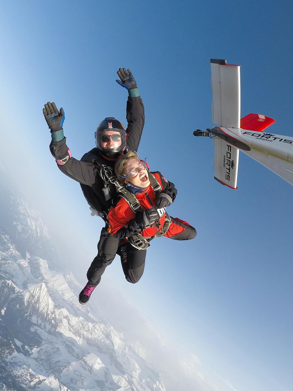 sky-diving-wengen-activities